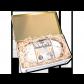 750g Original Dresdner Christstollen ® in weißer Geschenkdose - Frontansicht der Geschenkedose